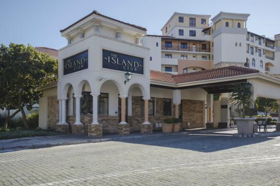 The Island Club Proudly introducing European-style waterfront living in the heart of Cape Town.